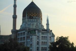 http://es.wikipedia.org/wiki/Yenidze